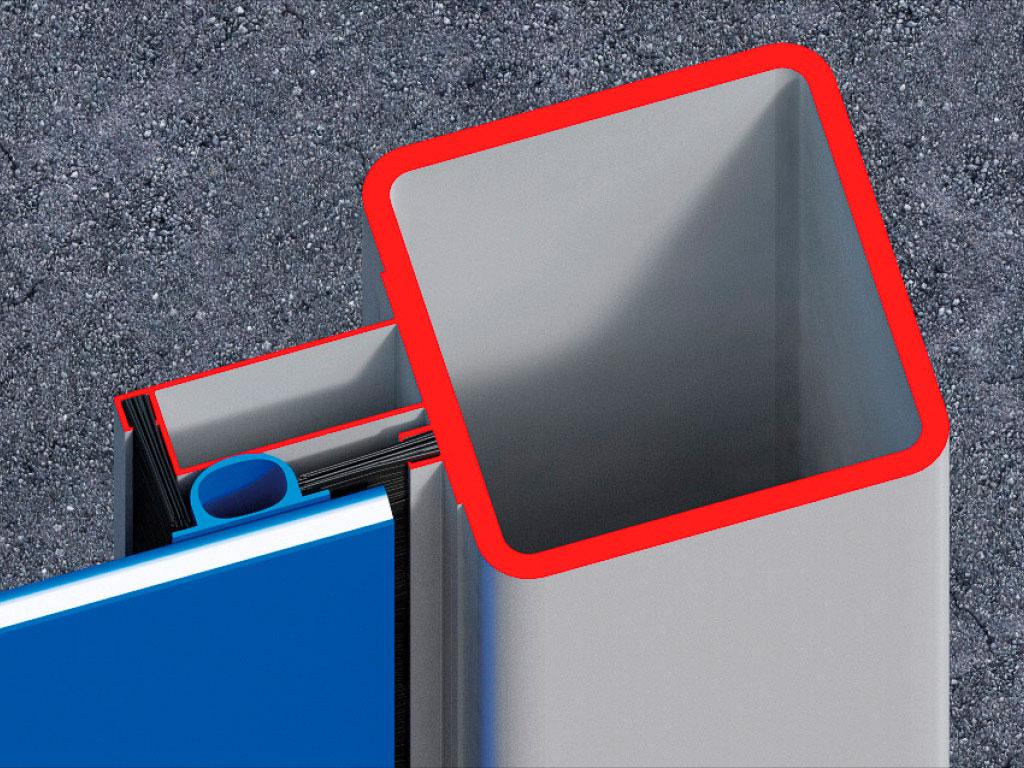 Система щеточных уплотнений, установленных в двух направлениях, надежно защищает стыки полотна ворот и проема, обеспечивая высокую герметичность. Уплотнения устанавливаются вдоль вертикальных направляющих изнутри и снаружи. ДорХан