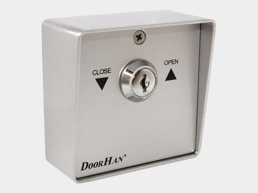 Ключ-кнопка SWM (металлическая) для подачи управляющей команды на блок управления электропривода с помощью поворота ключа ДорХан